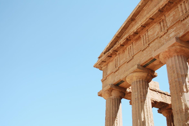 Detalle de uno de los templos de la Valle dei Tempi, uno de los lugares que ver en Sicilia
